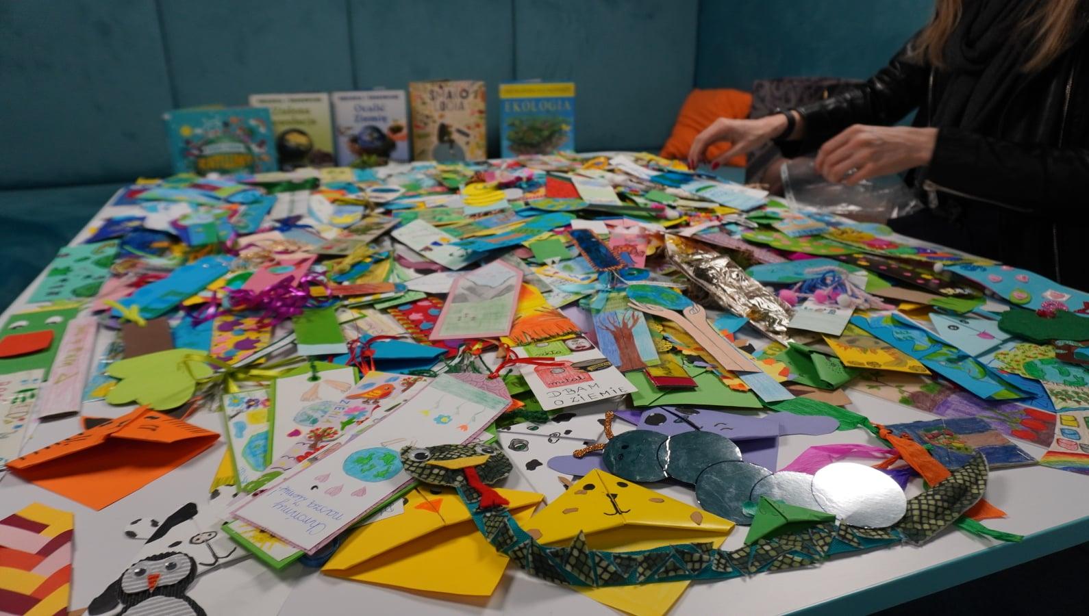 Dzieci przygotowały zakładki, skorzystają dorośli - Zdjęcie główne