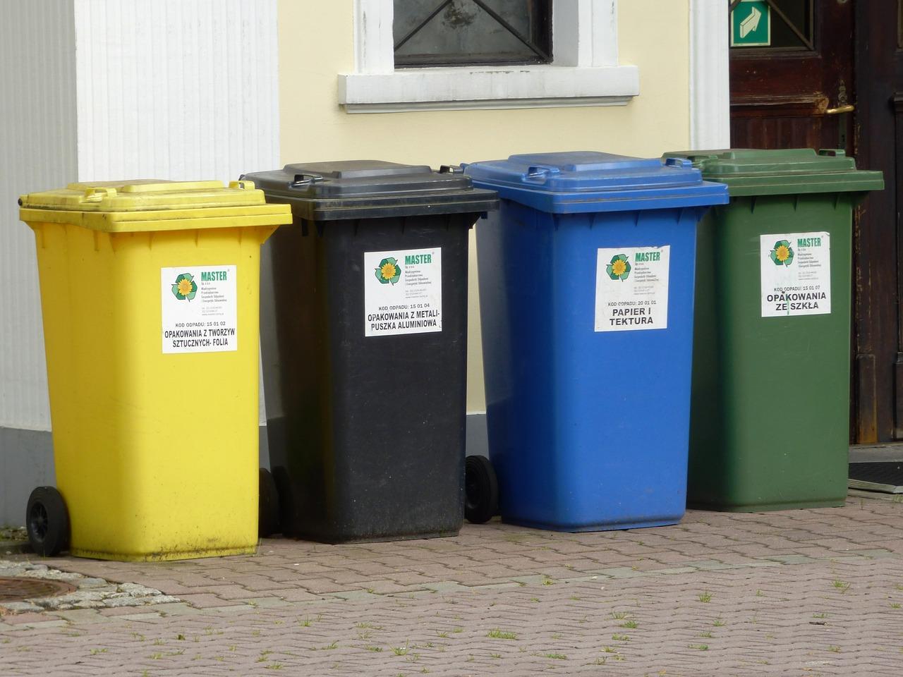 Zmiany w odbiorze odpadów. Śmieciarka będzie rzadziej przyjeżdżać - Zdjęcie główne