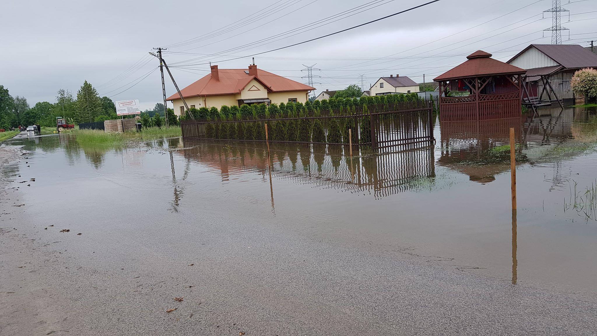 [AKTUALIZACJA:] Coraz gorzej w gminie Czermin! Ewakuacja ludności w Brniu Osuchowskim [FOTO, AUDIO] - Zdjęcie główne