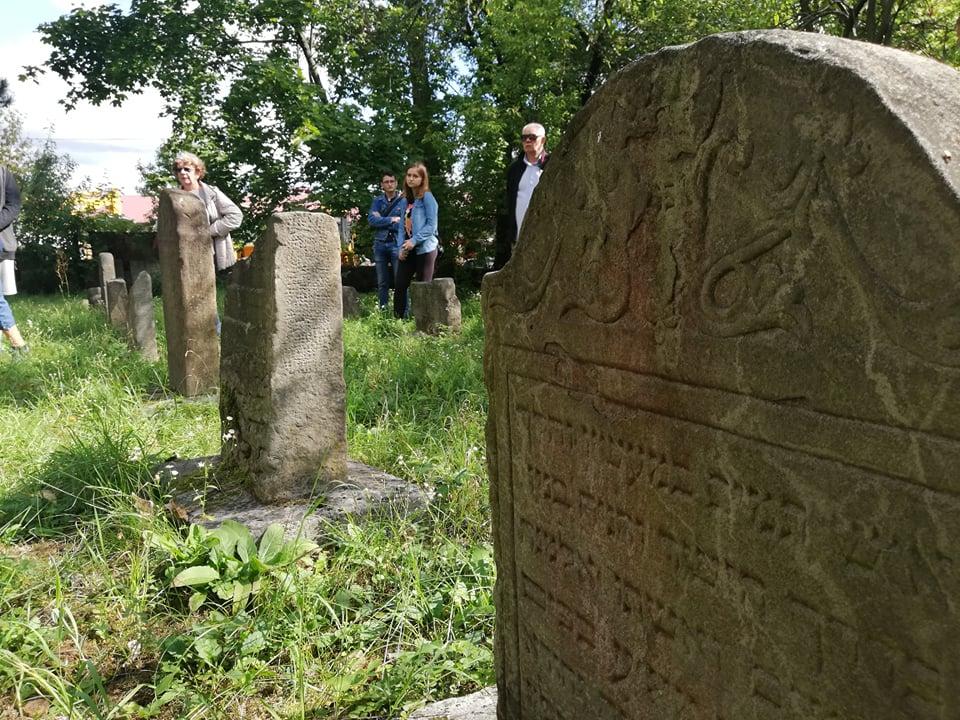 Duże zainteresowanie spacerem śladami zabytków kultury żydowskiej w Mielcu [FOTO] - Zdjęcie główne