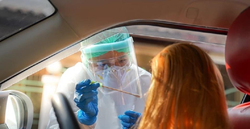 Mamy  najgorszy wynik w Europie pod względem pozytywnych testów na koronawirusa. To złe wiadomości - Zdjęcie główne