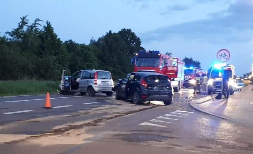 Wypadek na drodze Mielec - Tarnobrzeg. Droga całkowicie zablokowana! [ZDJĘCIA] - Zdjęcie główne