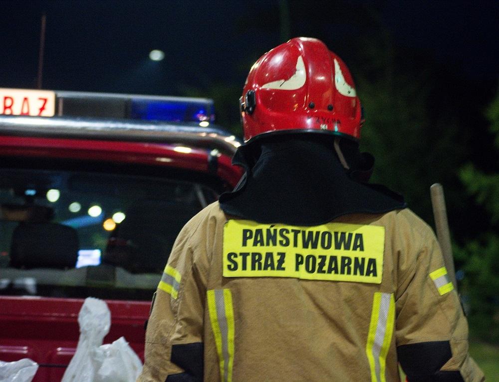 Pożar przy ulicy Biedronki na os. Rzochów  - Zdjęcie główne