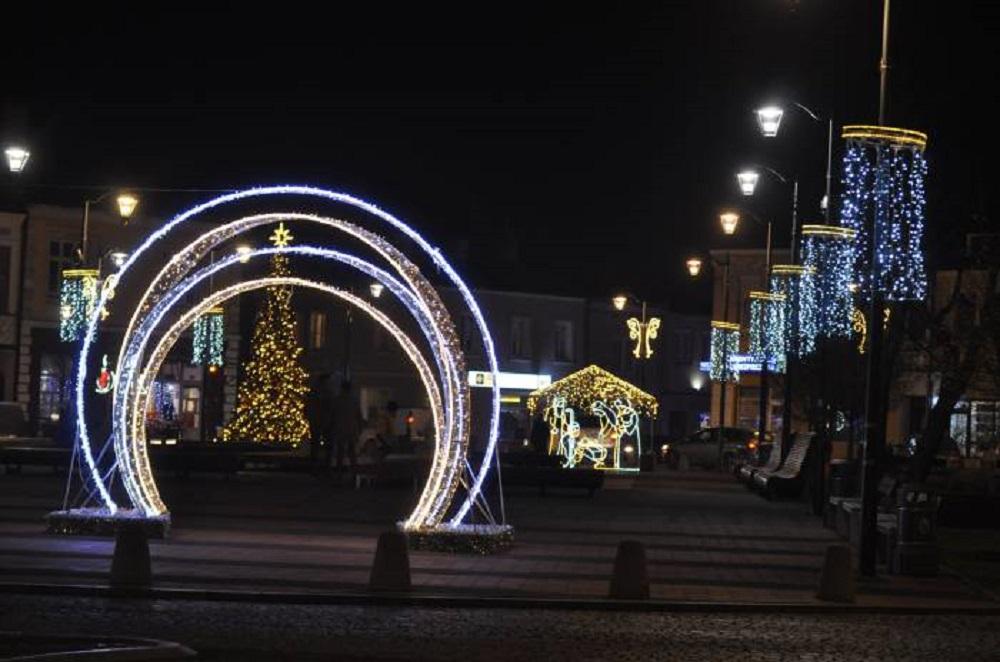 Zobacz świąteczną iluminację w Mielcu [FOTO] - Zdjęcie główne