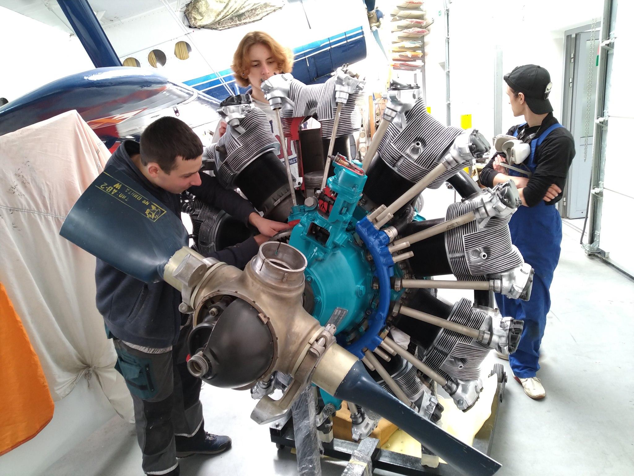Młodzież odrestaurowała najpopularniejszy silnik w Mielcu [ZDJĘCIA] - Zdjęcie główne