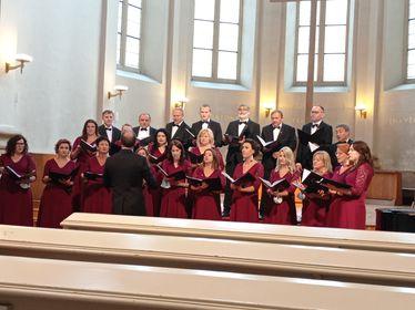 Chór Nauczycielski w Pradze. Międzynarodowy Festiwal Chórów i Orkiestr - Zdjęcie główne