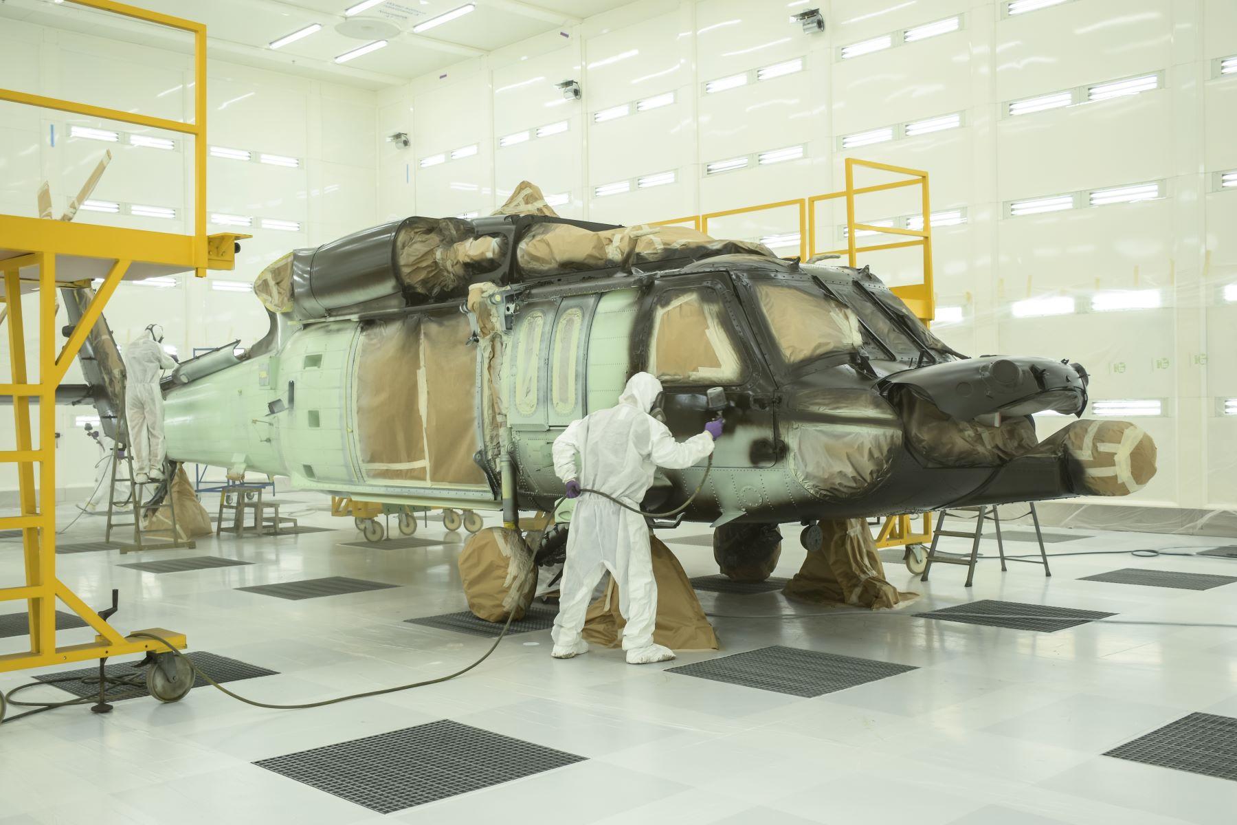 W PZL Mielec ruszyła nowoczesna lakiernia samolotów i śmigłowców - Zdjęcie główne