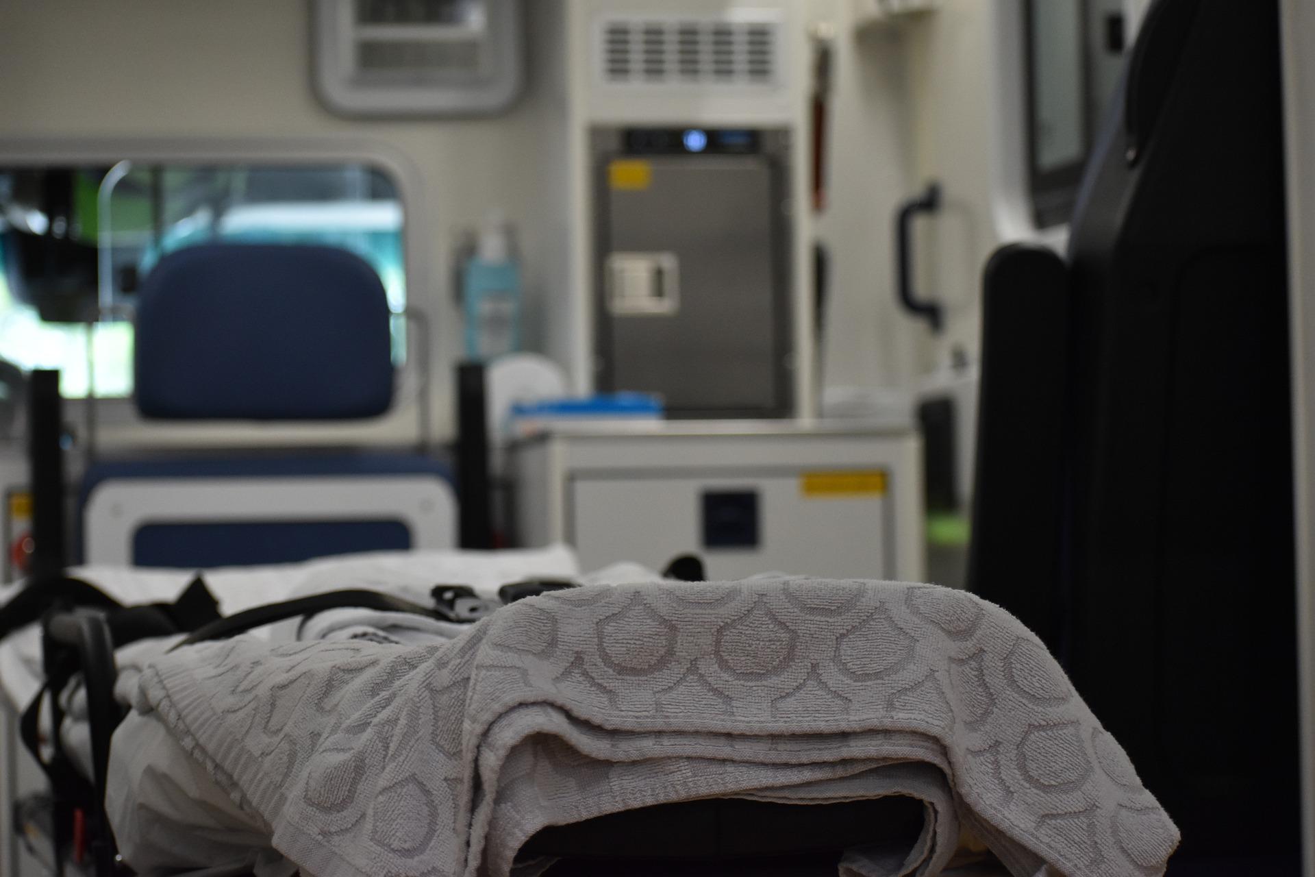 Środa bije rekordy zakażeń i zgonów. Pod respiratorami najwięcej osób od listopada   - Zdjęcie główne