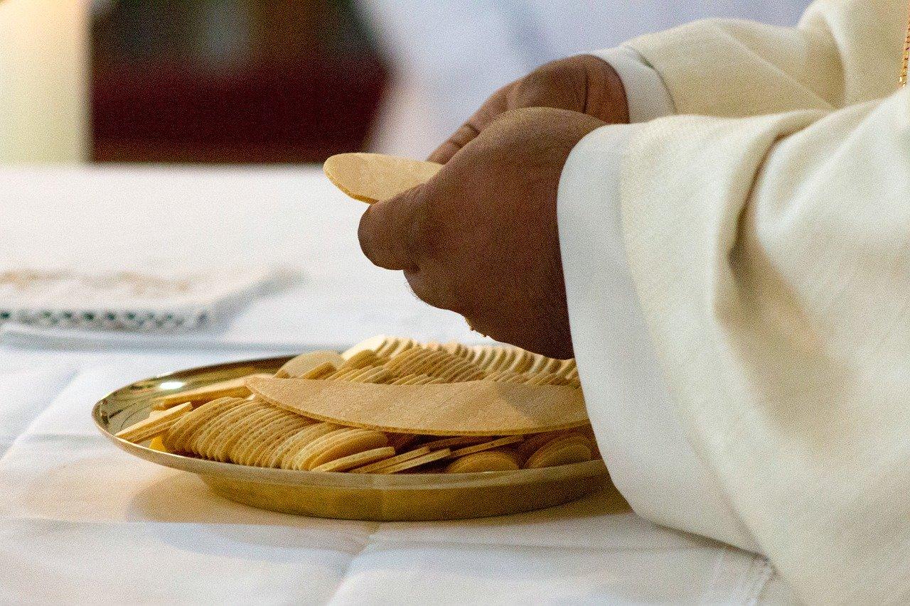 Proboszcz mieleckiej parafii z koronawirusem. Zmiany w mszach świętych - Zdjęcie główne
