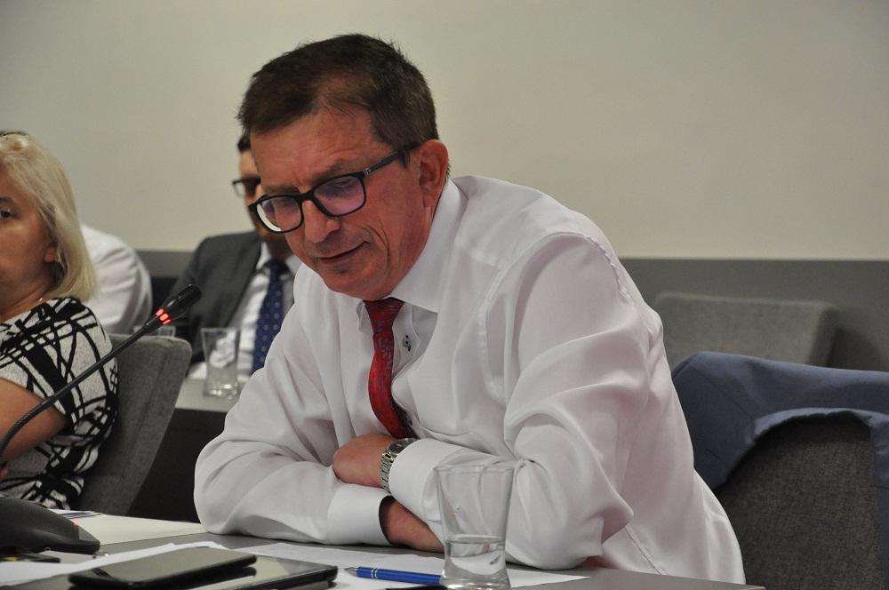 Dużo hałasu o nic. Rada Powiatu przyjmuje stanowisko przeciwko LGBT - Zdjęcie główne