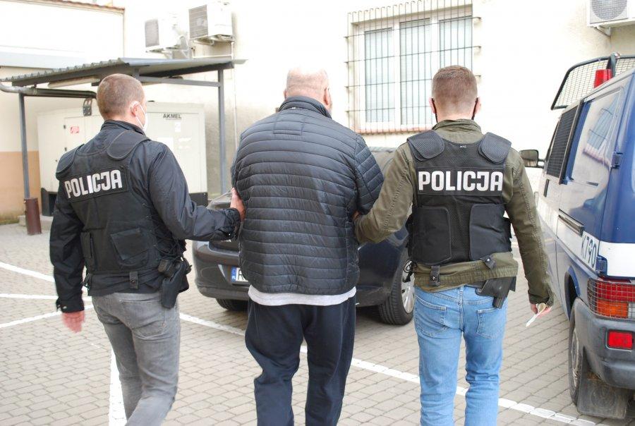 27-latek przyszedł na komisariat i trafił do aresztu - Zdjęcie główne