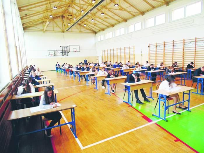 Próbne egzaminy ósmoklasisty. Jak wyglądały w szkołach w naszym powiecie? - Zdjęcie główne