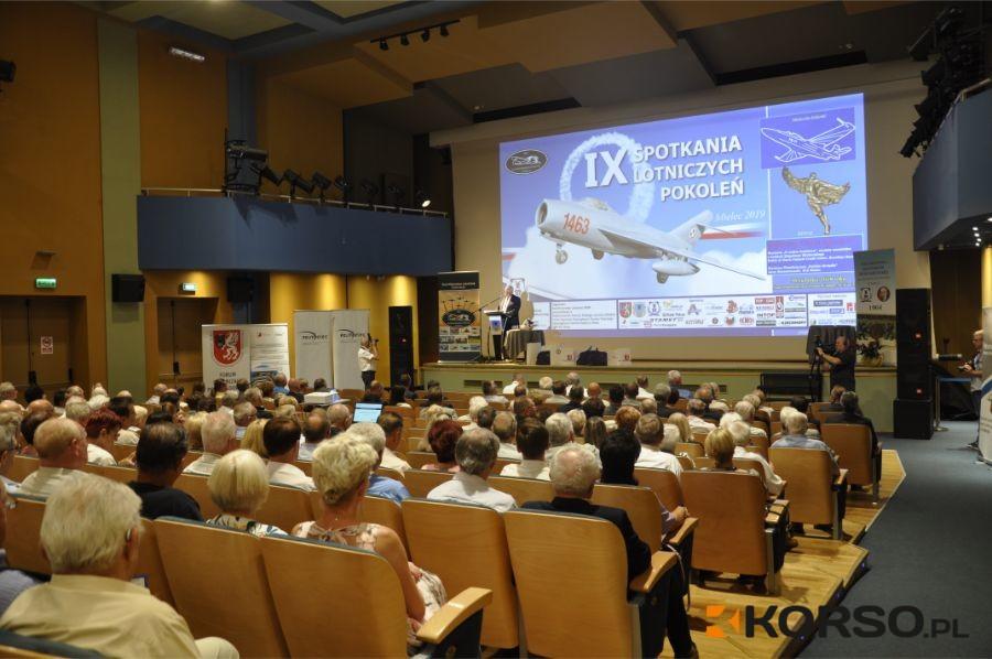 Mieleckie pokolenia lotnicze spotkały się po raz dziewiąty - Zdjęcie główne
