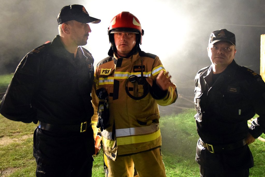 W pożarze fermy spłonęło 7 tys. indyków [AKTUALIZACJA]  - Zdjęcie główne