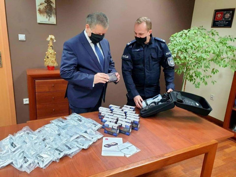 Policja w Mielcu ma urządzenie do wykrywania narkotyków ze śliny - Zdjęcie główne