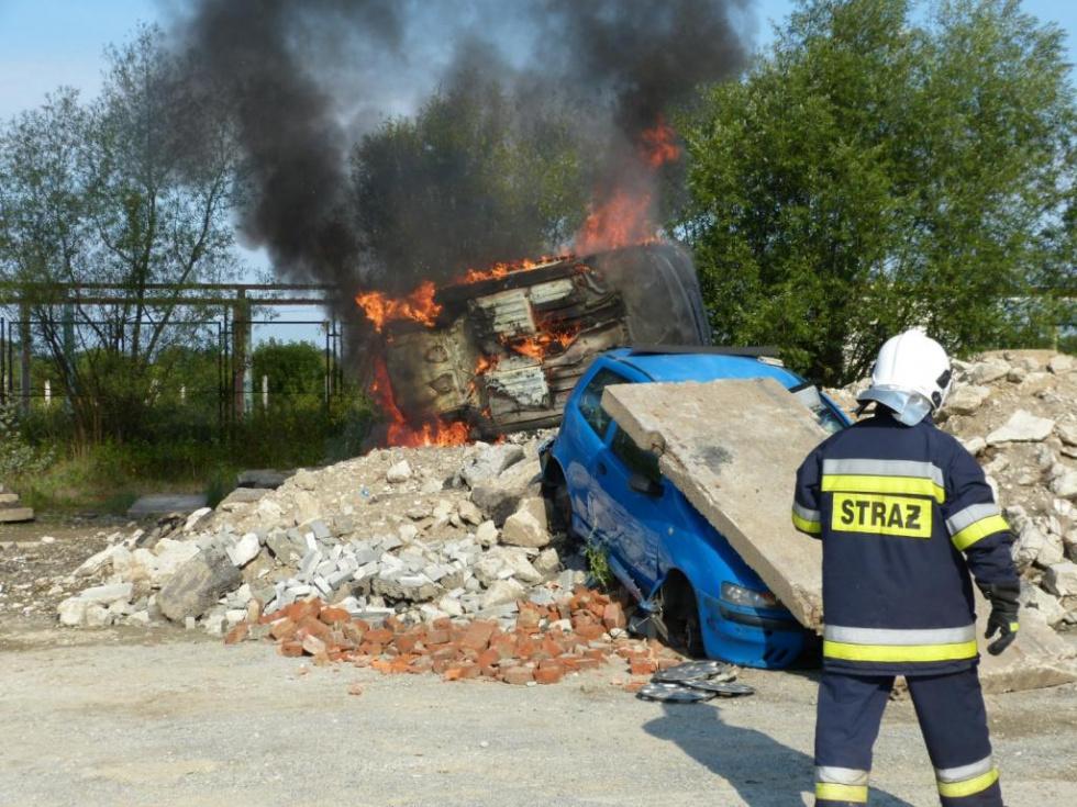 Ranne dzieci w autobusie, pożar i wybuch - zdjęcia - Zdjęcie główne