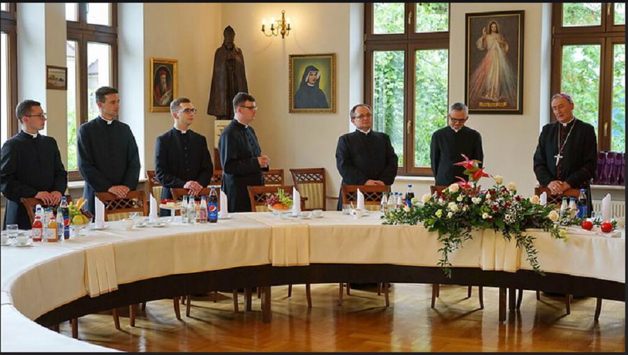 Dwóch nowych księży w Mielcu. Znamy parafie neoprezbiterów - Zdjęcie główne