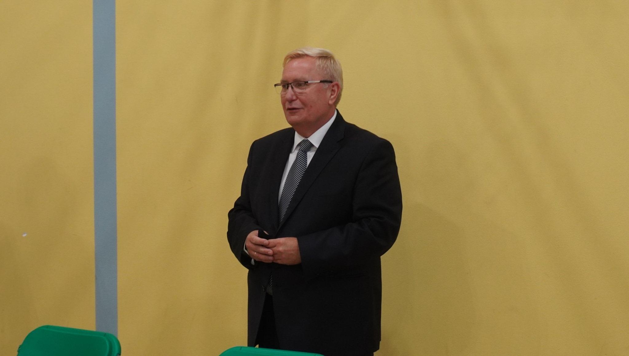 Szkoła Podstawowa nr 9 w Mielcu ma nowego dyrektora - Zdjęcie główne