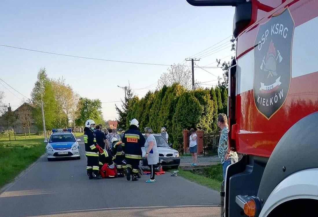 Potrącenie w Kiełkowie. Rowerzysta zabrany do szpitala [ZDJĘCIA] - Zdjęcie główne