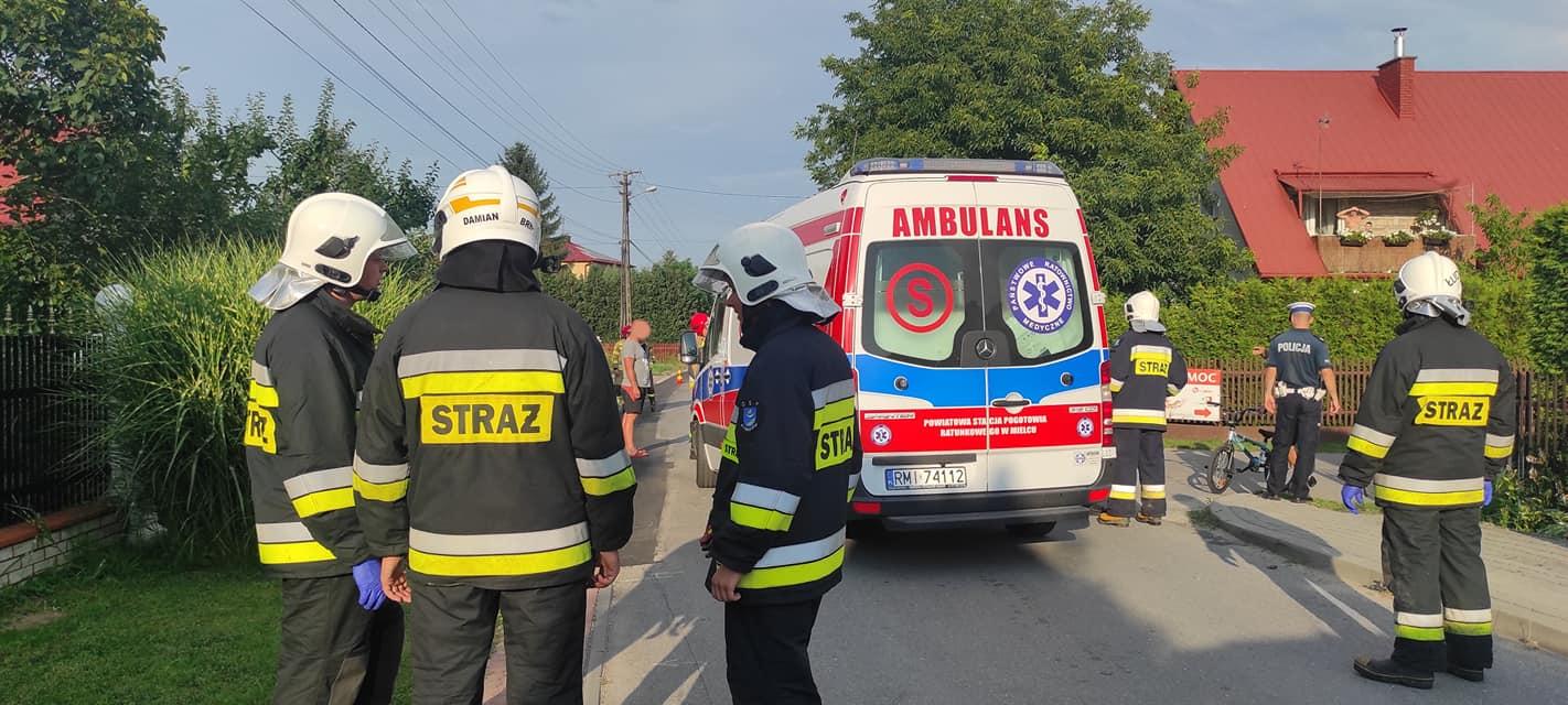 Wypadek pod Dębicą. Dziewczynka trafiła do szpitala - Zdjęcie główne