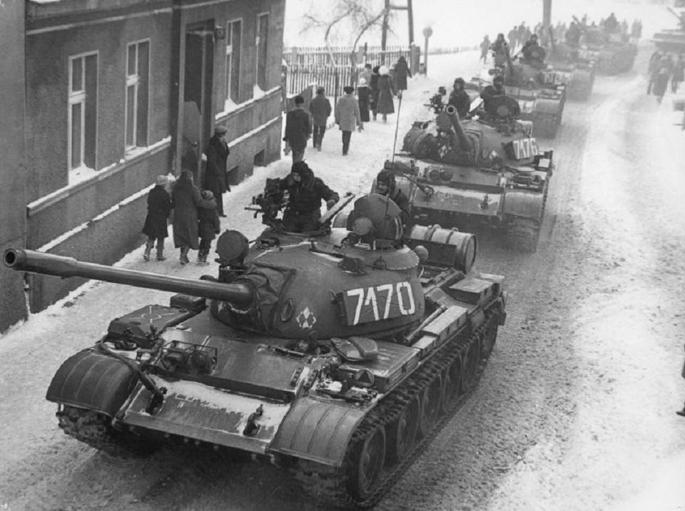 Czołgi na ulicach. 39 lat temu wprowadzono stan wojenny - Zdjęcie główne
