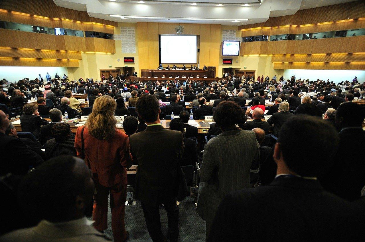 Konferencje, tłumy i dobra organizacja - Zdjęcie główne