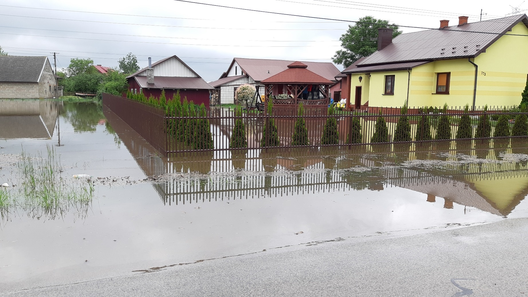 Najnowsze i pewne informacje o sytuacji powodziowej w gminie Czermin [ZDJĘCIA] - Zdjęcie główne