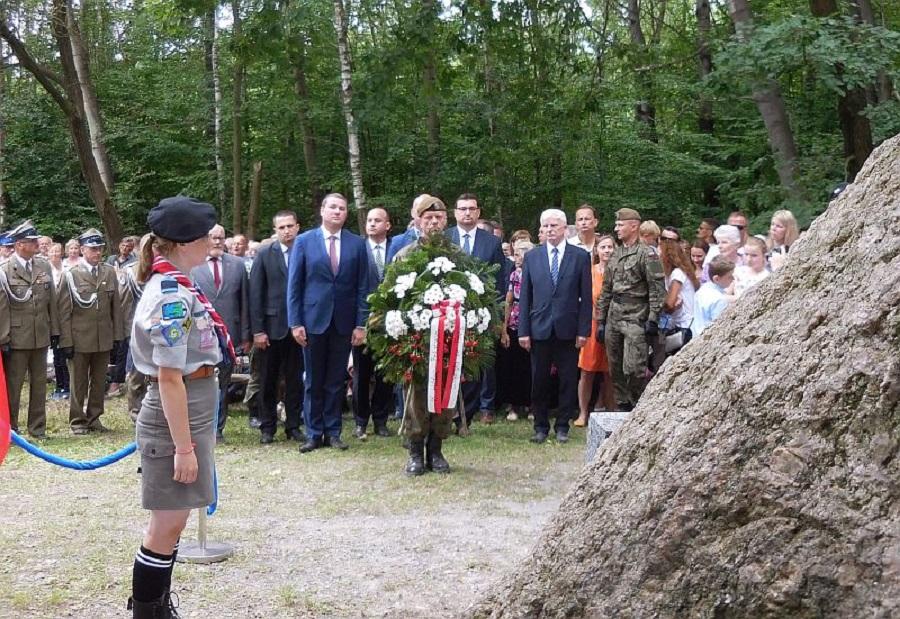 Dębica. Uroczystości rocznicowe w Kałużówce zgromadziły tysiąc osób - Zdjęcie główne