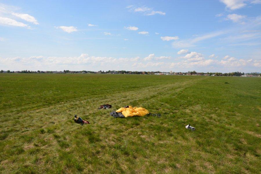 Z Podkarpacia. Wypadek spadochroniarza - Zdjęcie główne