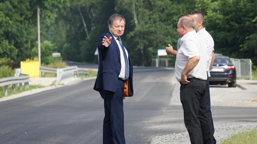Zakończone zostały remonty kolejnych dróg na terenie Powiatu Mieleckiego - Zdjęcie główne
