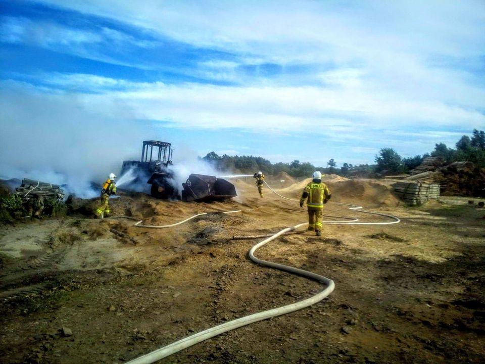 Pożar w gminie Tuszów Narodowy. W akcji brało udział 8 zastępów straży pożarnej! [FOTO, VIDEO] - Zdjęcie główne