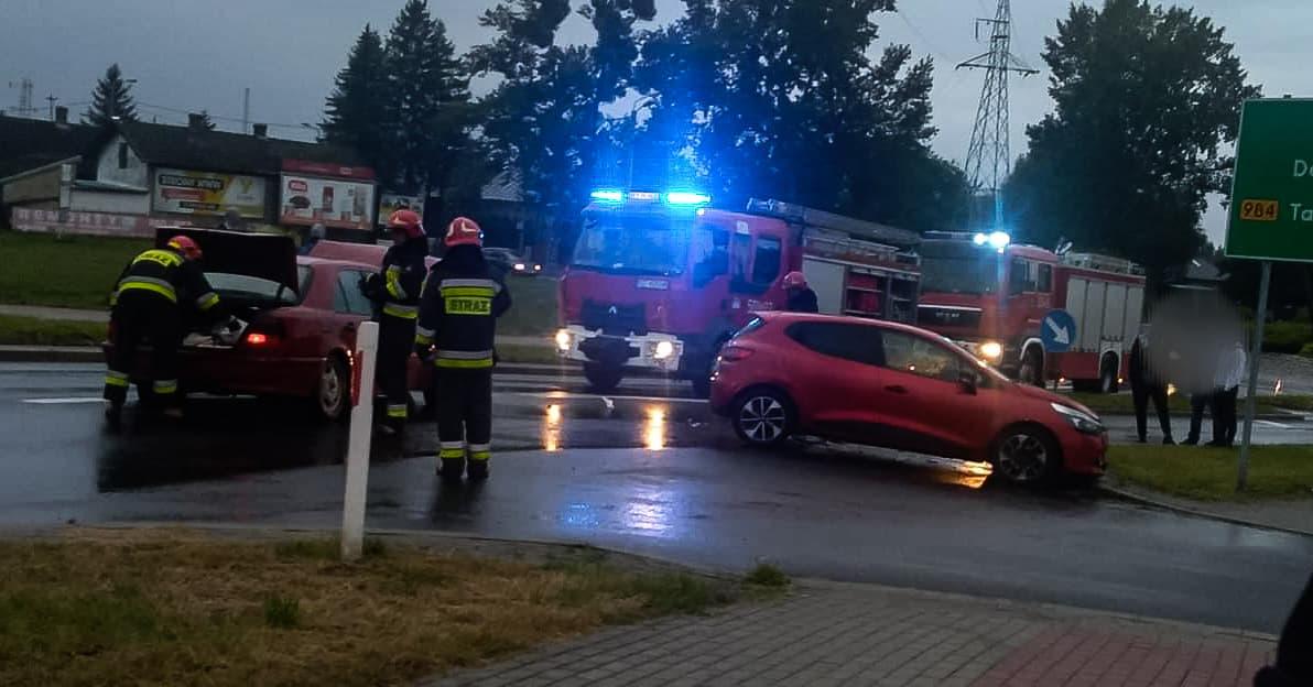 Kierowca mercedesa uciekł z miejsca kolizji. Szuka go policja! - Zdjęcie główne