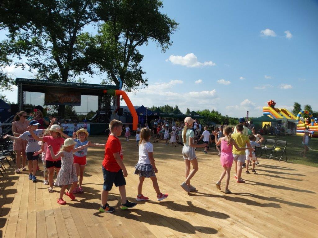 Radośnie i rodzinnie mieszkańcy tuszowskiej gminy powitali lato [ZDJECIA] - Zdjęcie główne