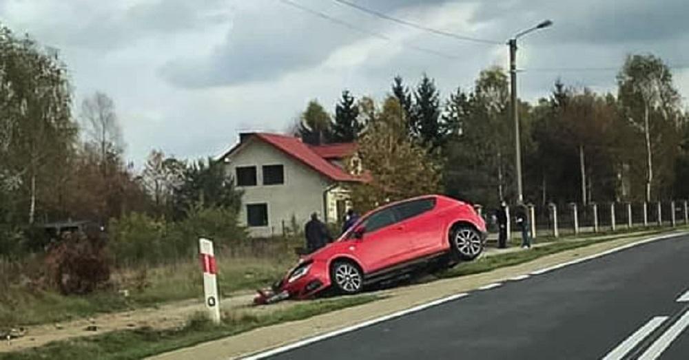 Z ostatniej chwili: samochód uderzył w przepust. Jedna osoba trafiła do szpitala! - Zdjęcie główne