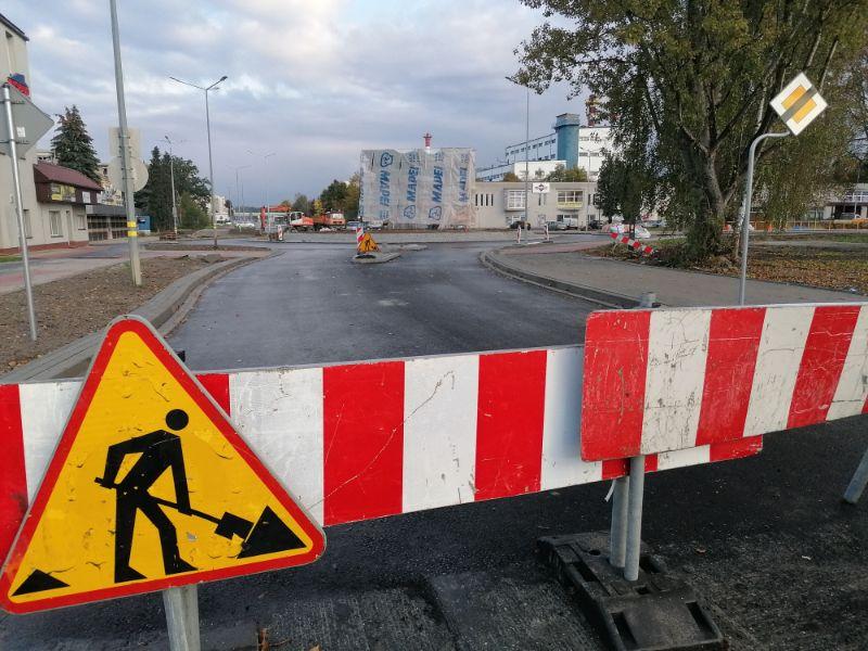 Prace przy rondzie na ul. Wojska Polskiego już na finiszu [FOTO, VIDEO] - Zdjęcie główne