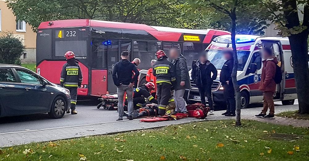 Dwaj pijani mężczyźni wtargnęli na jezdnię. Jeden trafił do szpitala! - Zdjęcie główne