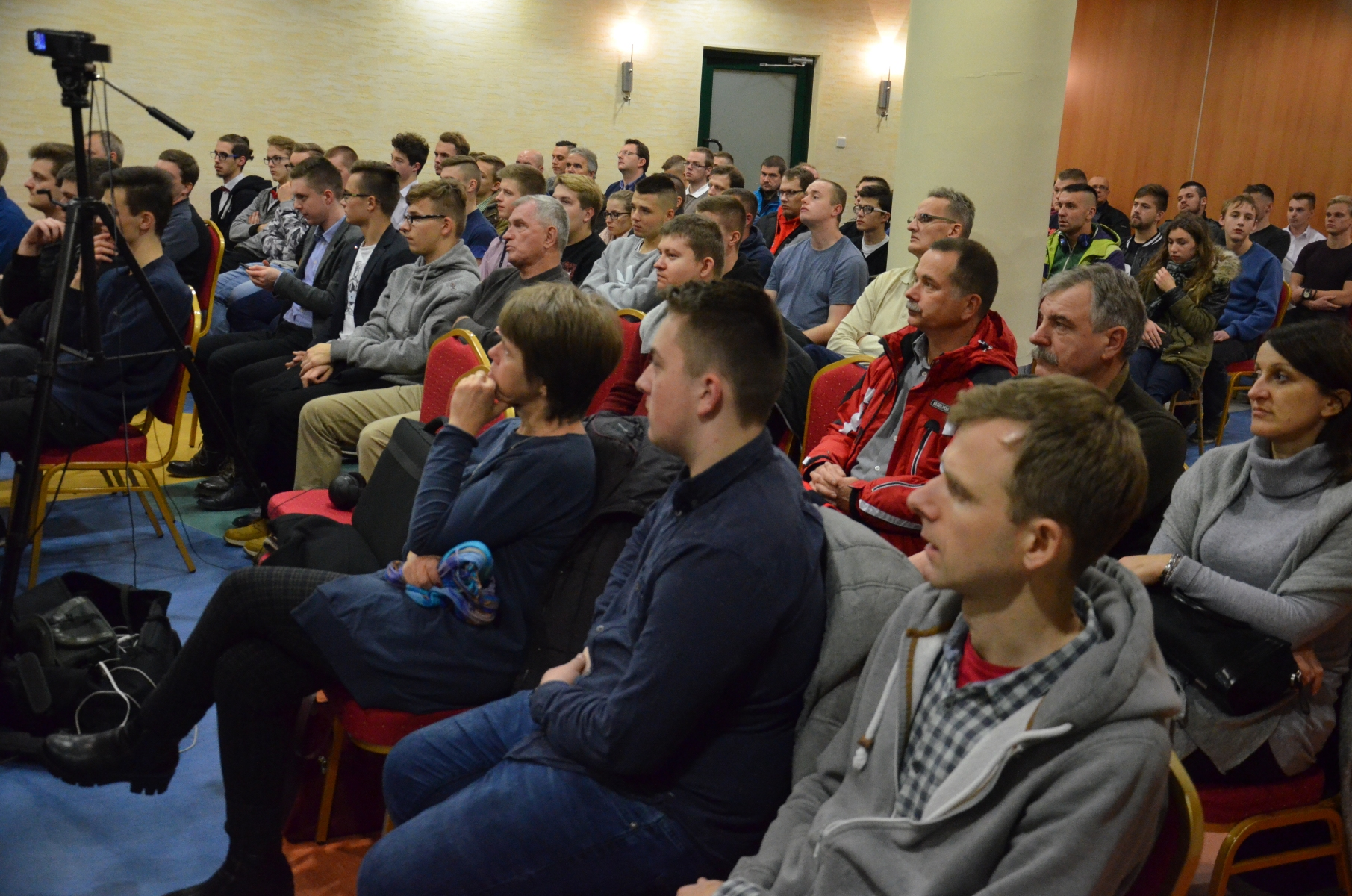 Konferencja działaczy KORWIN w Mielcu. Posadzą premiera w oślej ławce - Zdjęcie główne