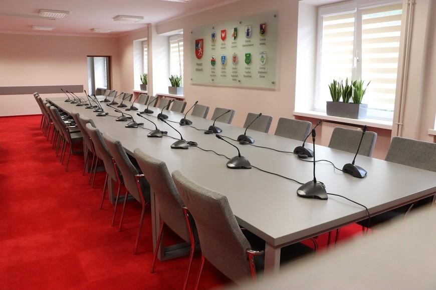 Po przerwie radni powiatu mieleckiego nie przyszli na sesję. Obrady zostały przerwane - Zdjęcie główne