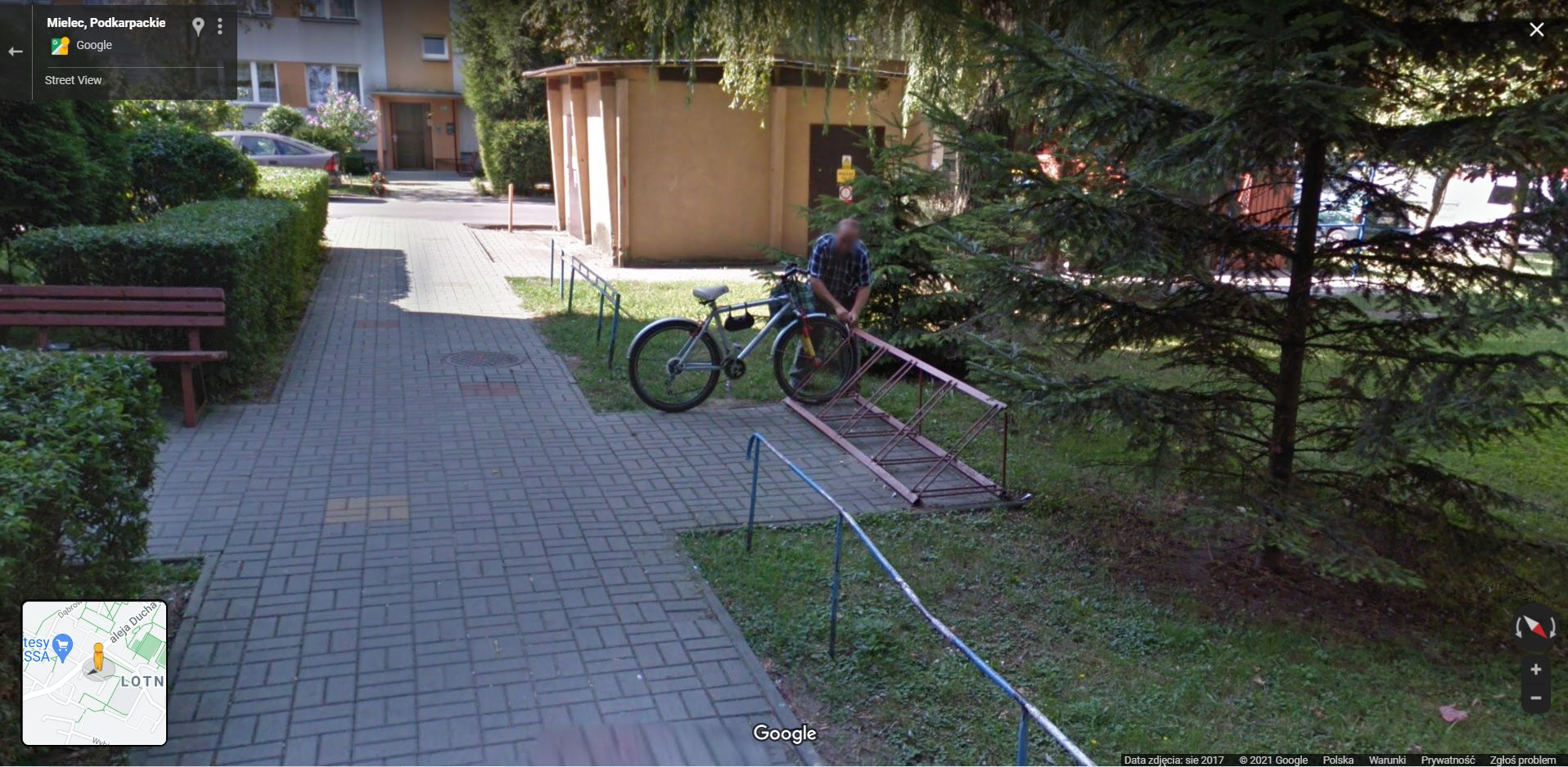 Google Street View na Podkarpaciu. Kolejna seria zdjęć przyłapanych w Mielcu - Zdjęcie główne