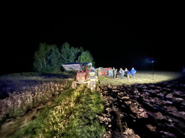 Wypadek w Podborzu. Traktor przygniótł mężczyznę - Zdjęcie główne