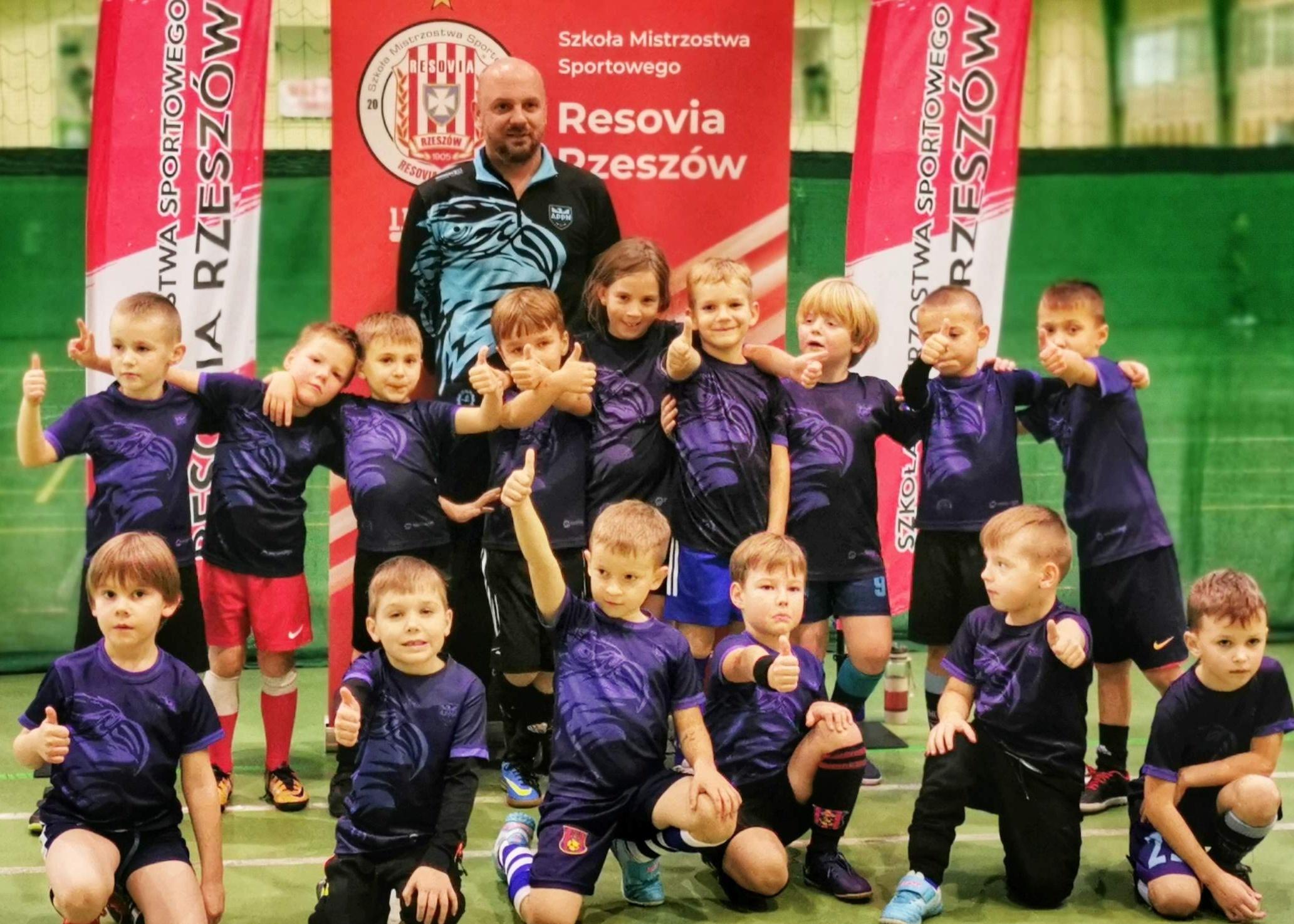 Medalowe żniwa Piłkarskich Nadziei. Koniec roku to znakomity czas dla młodych piłkarzy - Zdjęcie główne