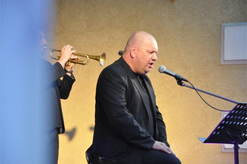 Legenda polskiej ballady Marek Dyjak z kameralnym koncertem w Mielcu [FOTO] - Zdjęcie główne
