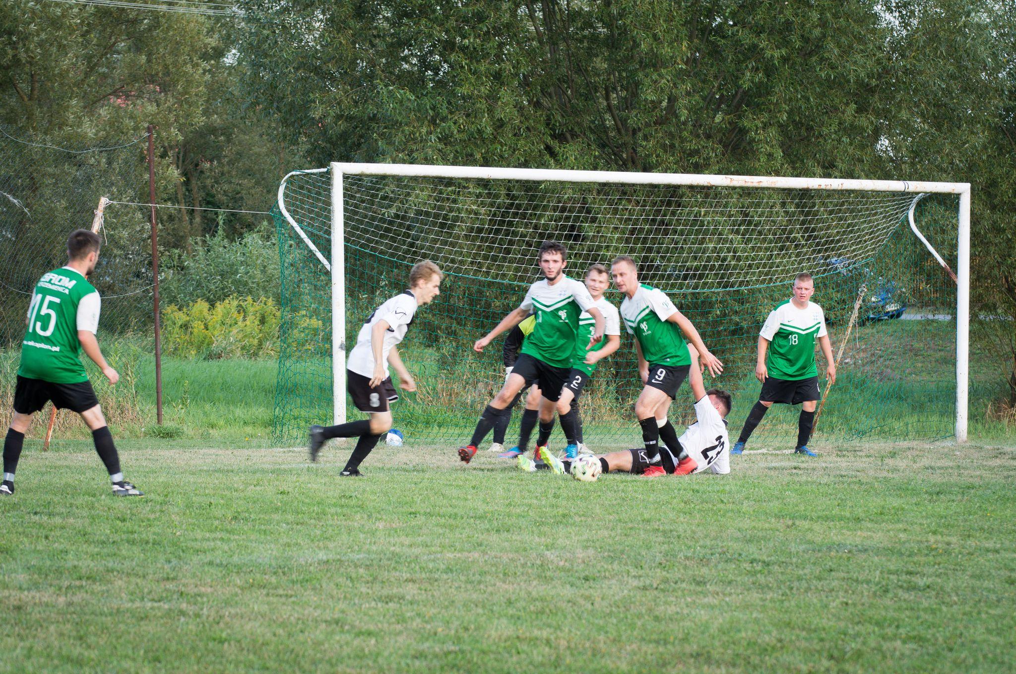 Piłkarska klasa B (2. kolejka) - wyniki - Zdjęcie główne