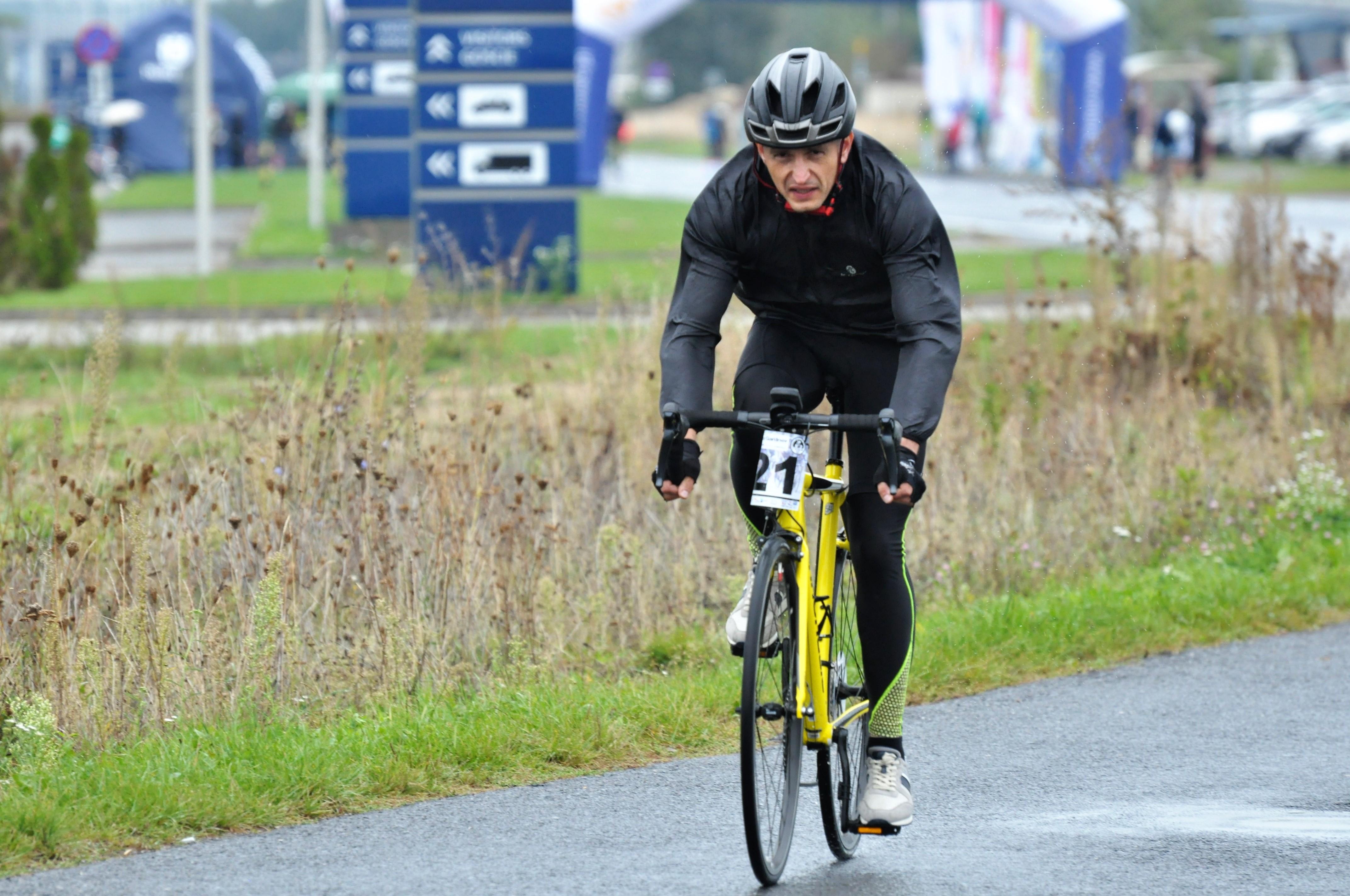 Deszczowy wyścig. Kryterium Rowerowe odbyło się w Mielcu po raz trzeci [FOTO] - Zdjęcie główne