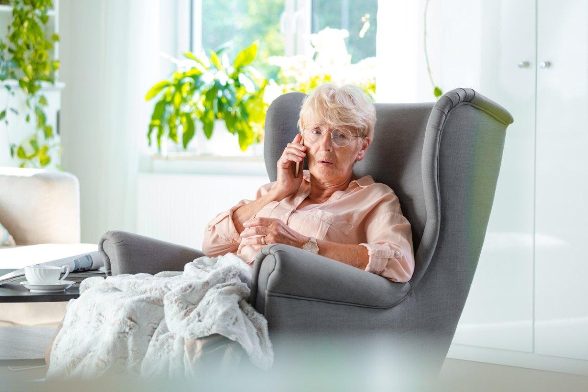 Podejrzany telefon do seniorki. Ostrzeżcie rodziców i dziadków - Zdjęcie główne