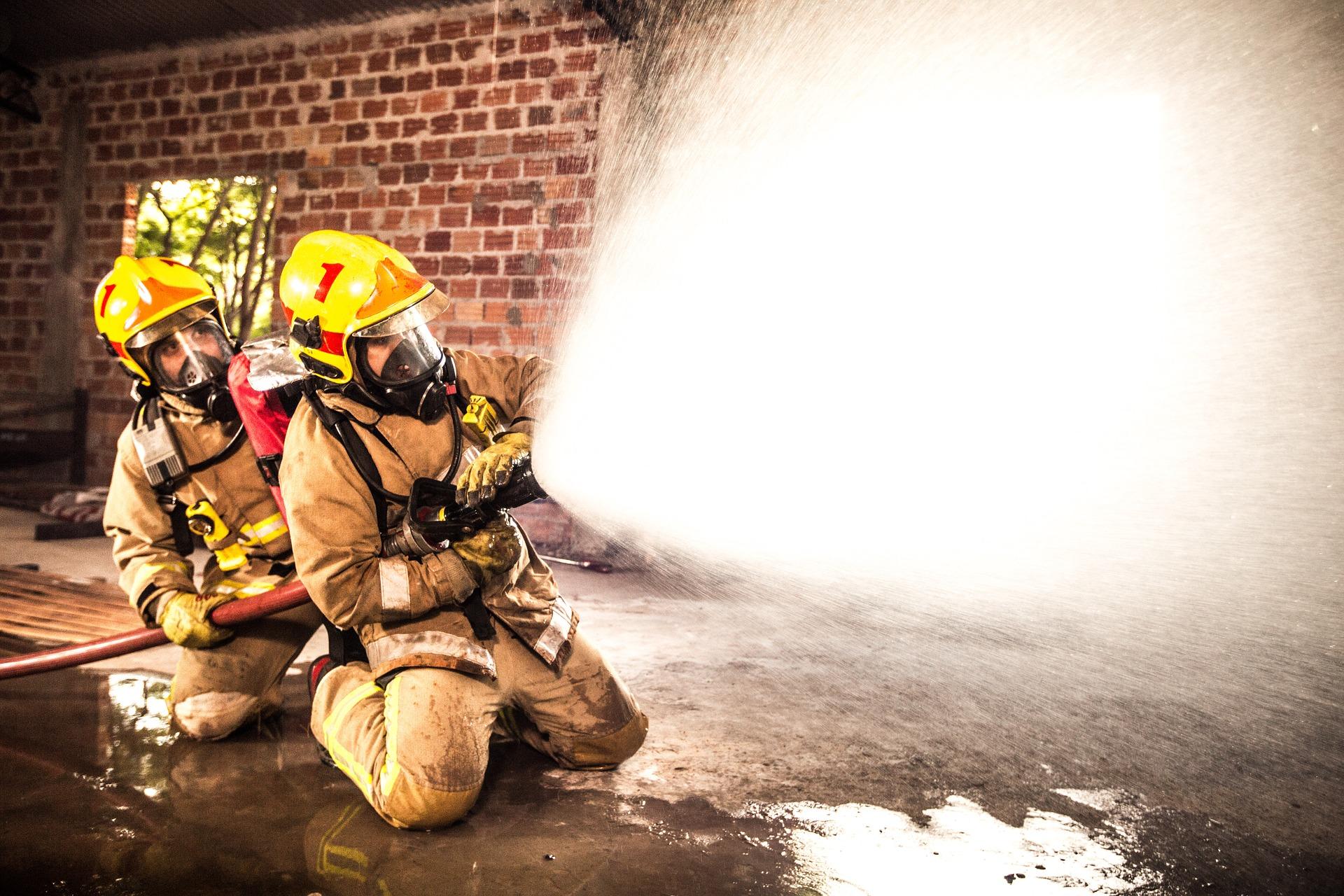 Pożar w mieleckiej firmie. Pracownicy ewakuowani [AKTUALIZACJA] - Zdjęcie główne
