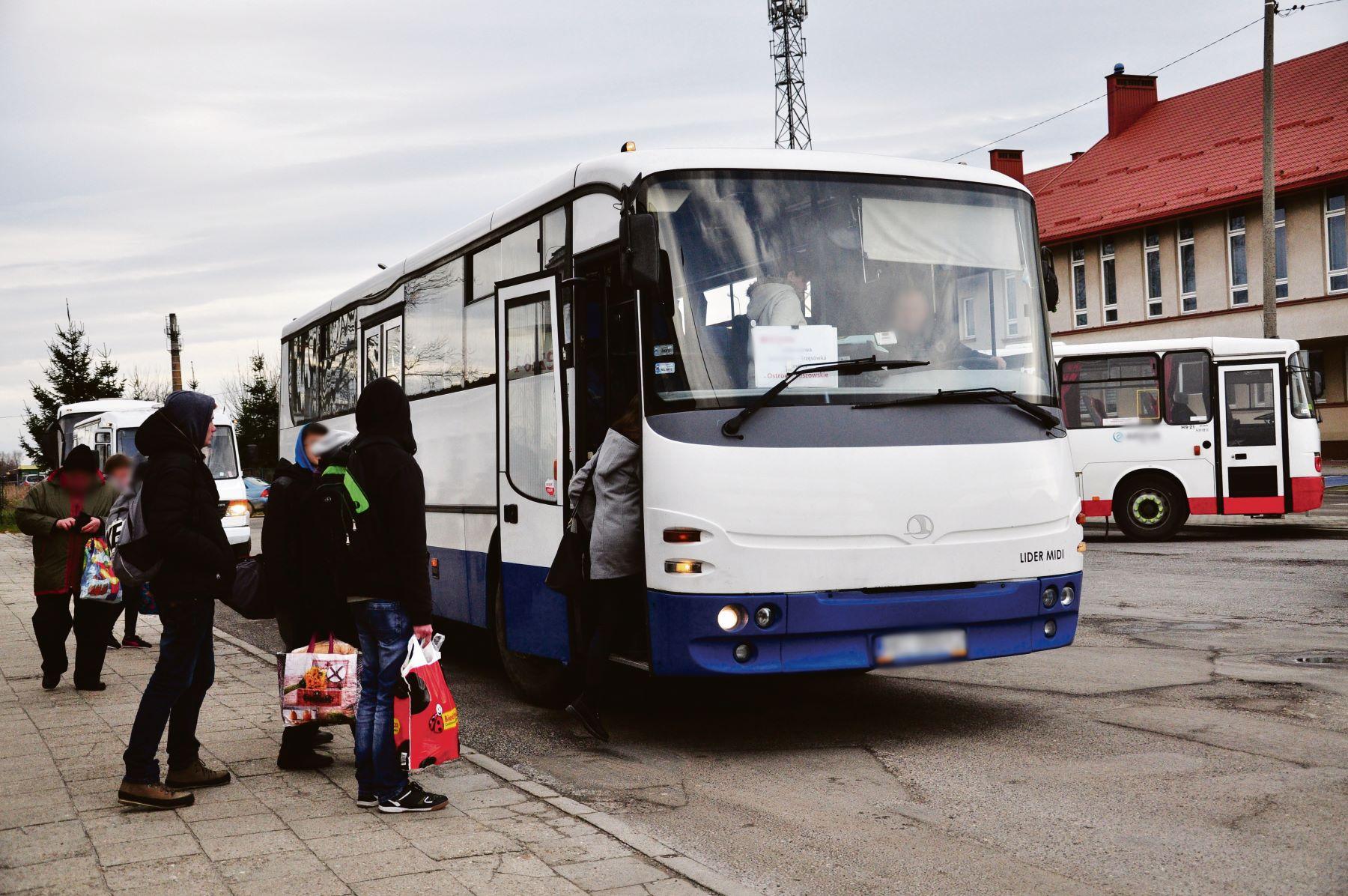 Mieszkańcy jednej z miejscowości w gminie Czermin są odcięci od Mielca - Zdjęcie główne