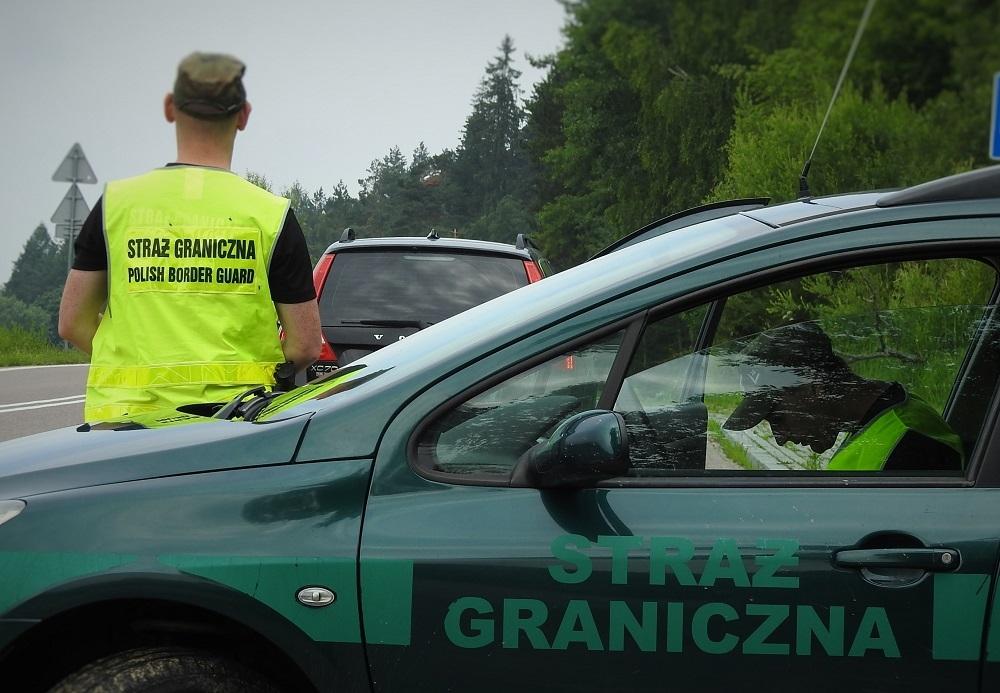 Zatrzymano organizatora przerzutów imigrantów - Zdjęcie główne