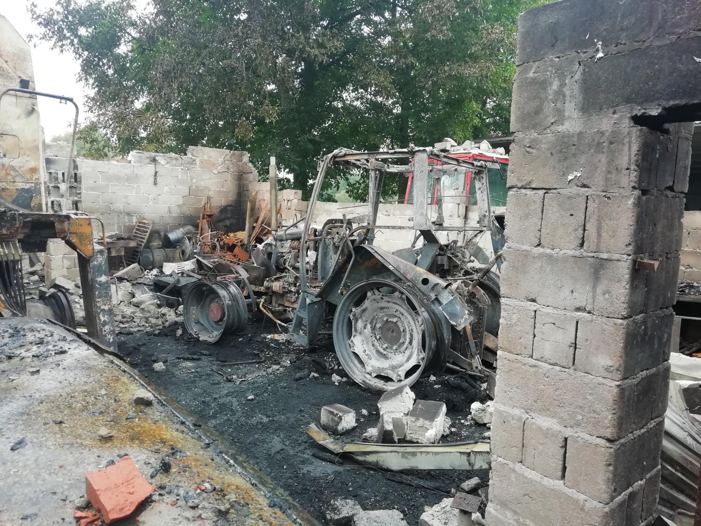Mieszkańcy powiatu mieleckiego w pożarze stracili dorobek życia. Rusza zbiórka [FOTO] - Zdjęcie główne