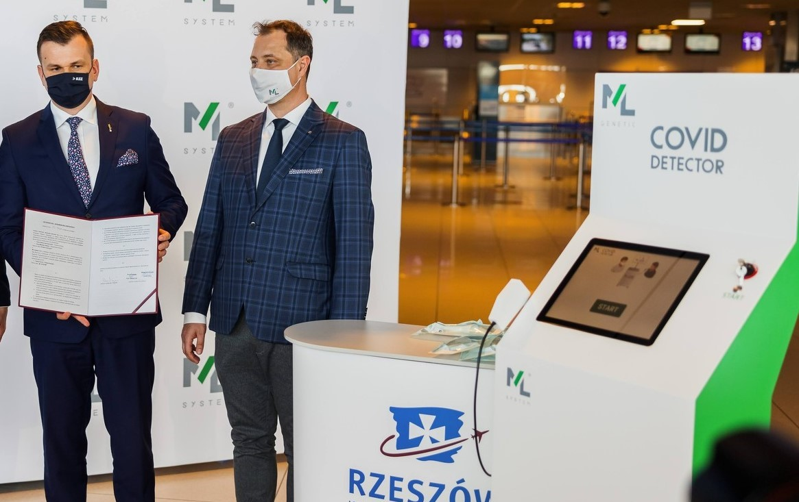 Covid Detector na lotnisku w podrzeszowskiej Jasionce - Zdjęcie główne